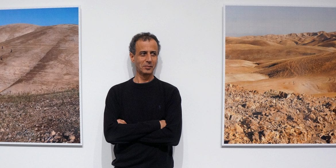 An artist between two landscapes
