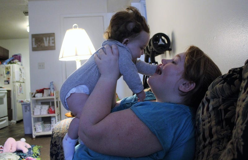 Aubri Thompson with daughter