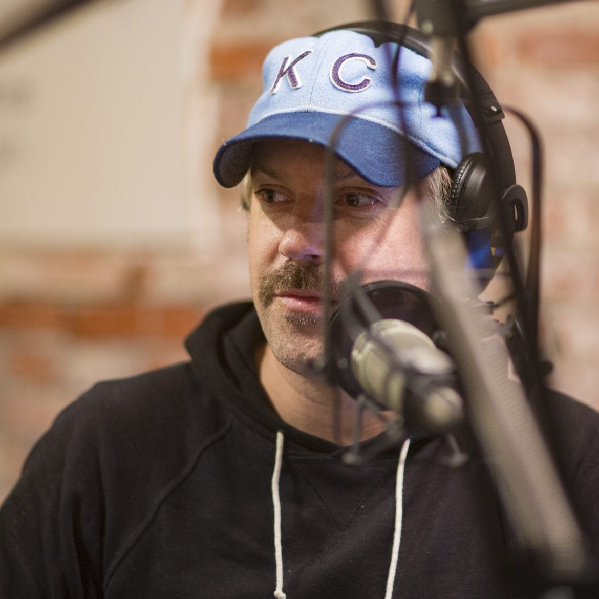 Jason Sudeikis in a KC Bladwin hat