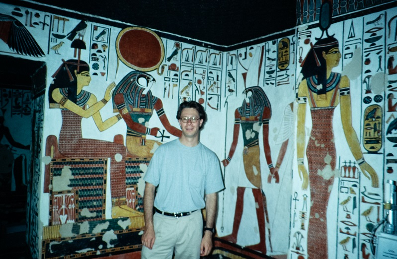 Photo of Julián Zugazagoitia in Queen Nefertari's tomb.