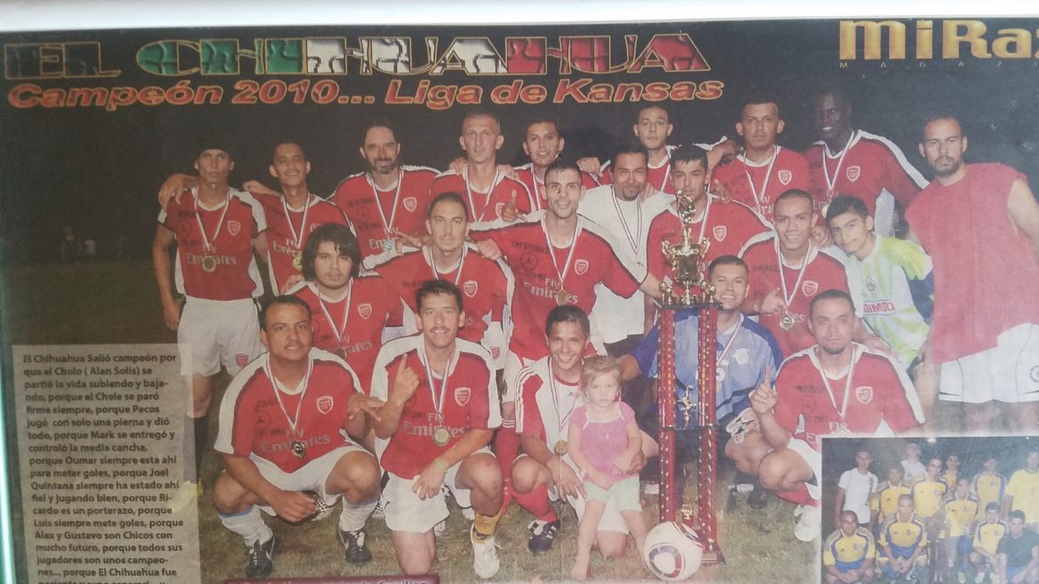 The Santa Fe Wanderers pose for a photo after winning a league championship.