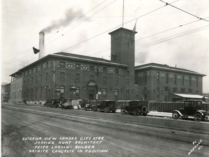 The Kansas City Star building in the mid-1920s