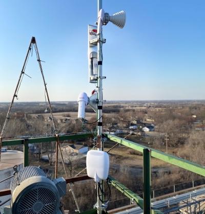 Rooftop wireless broadband equipment