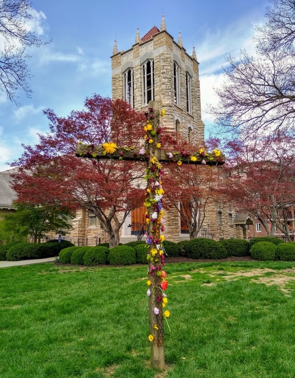 A flowered cross in front of Second Presbyterian Church, 318 E. 55th St., Kansas City, Missouri, on Easter Sunday.