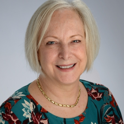Dr. Teresa Long is the medical director for the Persistent Pain Management Clinic at the University of Kansas Medical Center.