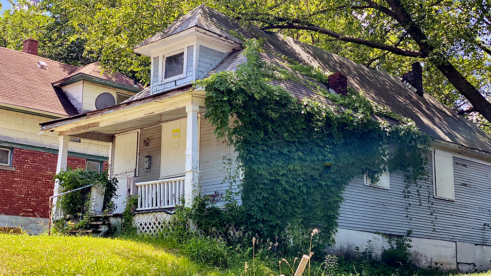 2404 Monroe Ave. is a vacated house currently part of the $1 Land Bank program. (Vicky Diaz-Camacho   Flatland)